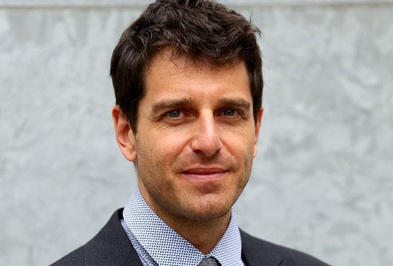 Giampaolo Morelli: Più invecchio, più sono felice
