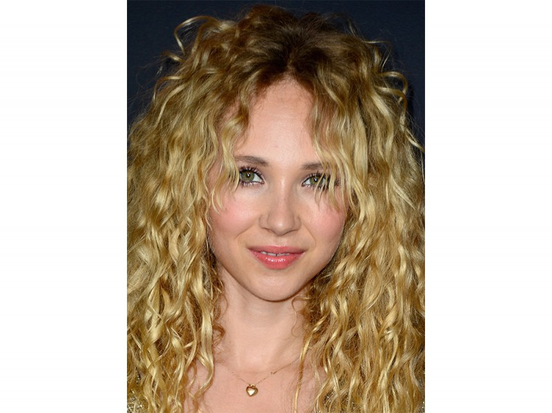 Juno_Temple_Beauty_Look_1