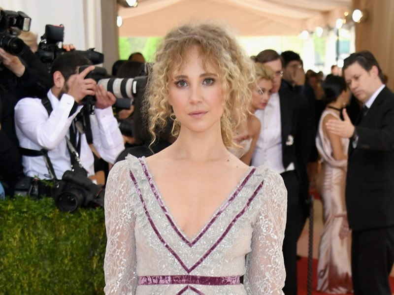 Juno_Temple_Beauty_Look_12