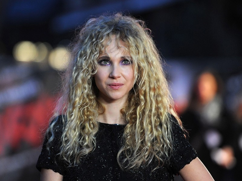 Juno_Temple_Beauty_Look_2
