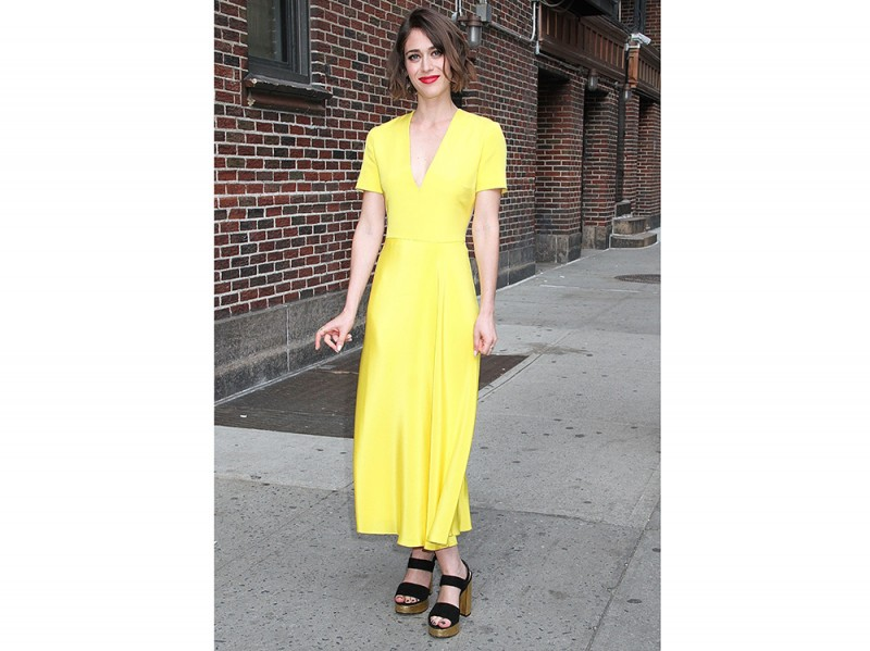 LIZZY-CAPLAN-yellow-dress-olycom