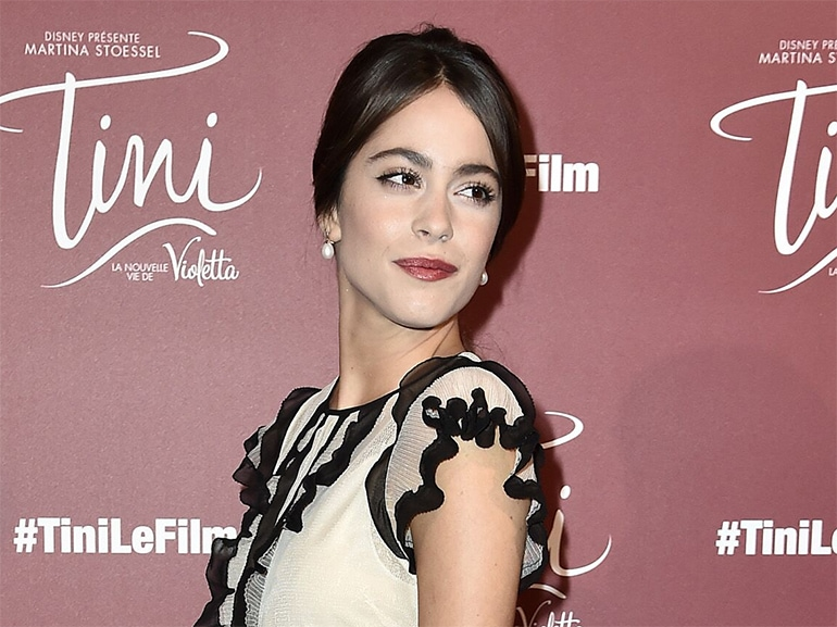 cover-Martina-stoessel-tutti-i-beauty-look-Mobile