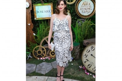 anne-hathaway-abito-floreale