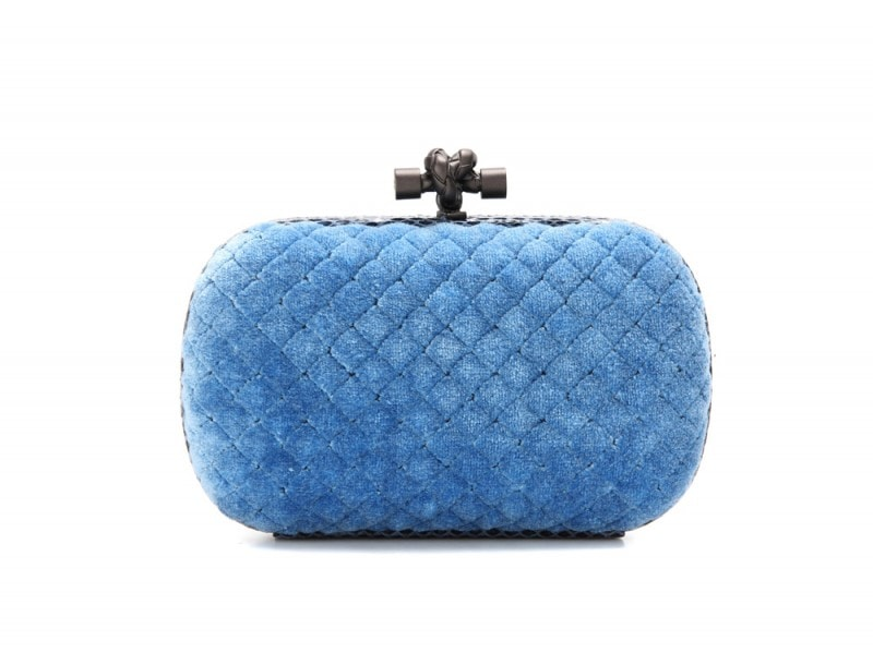 bottega-veneta-clutch-blu-cotone