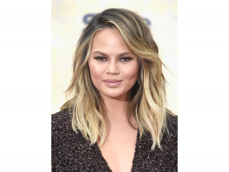 chrissy-teigen-make-up-11