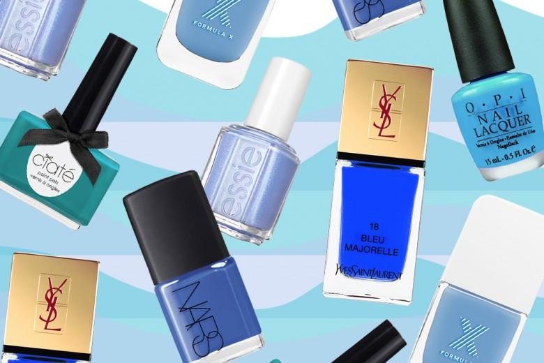 Smalti azzurri e turchesi: la manicure nei colori del mare
