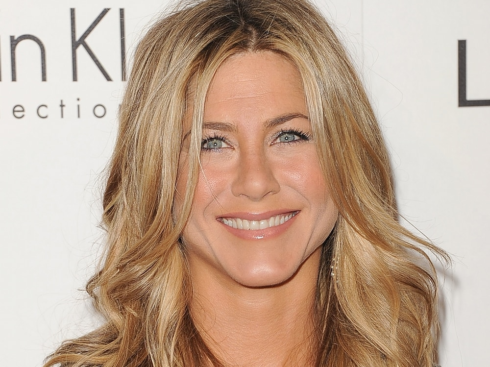 cover-jennifer-aniston-beauty-look-evidenza