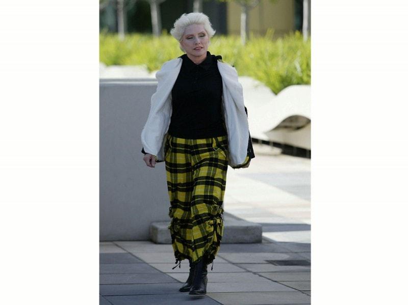 debbie-harry-pantaloni-tartan-getty