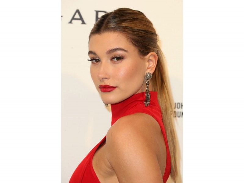 hailey baldwin maKE UP 5