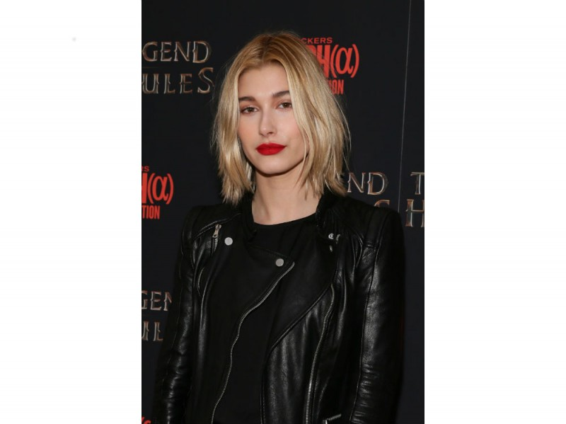 hailey baldwin make up