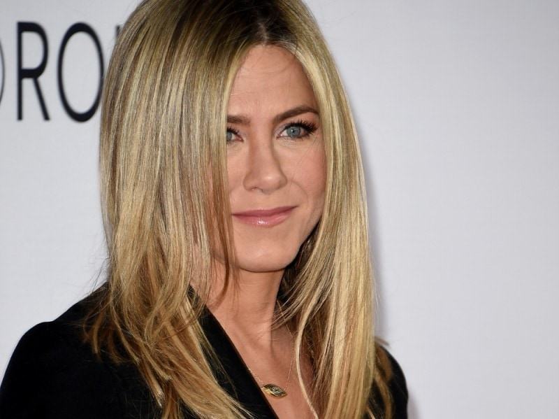 jennifer-aniston-beauty-look-10