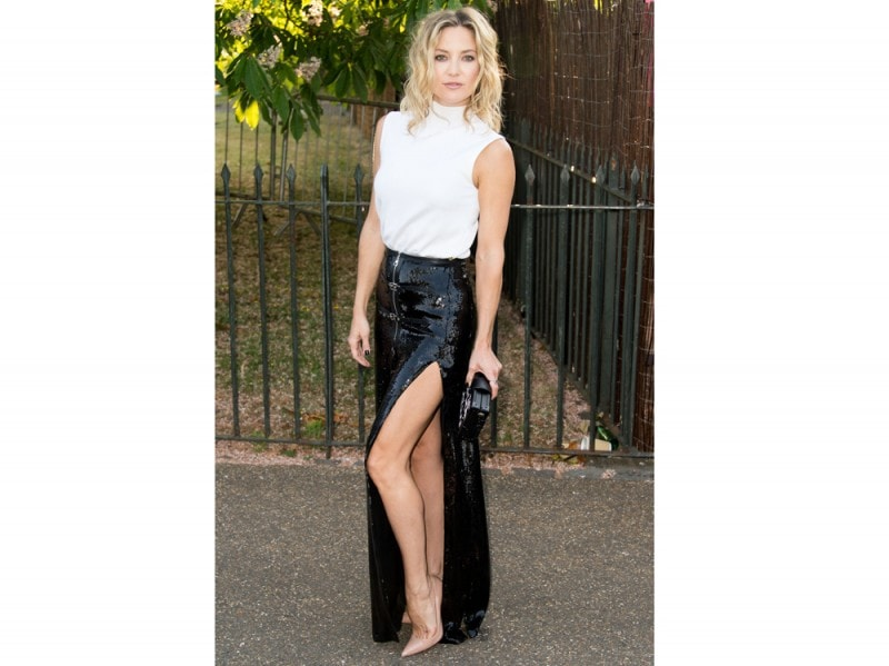 kate-hudson-gonna-paillettes-con-spacco-louis-vuitton