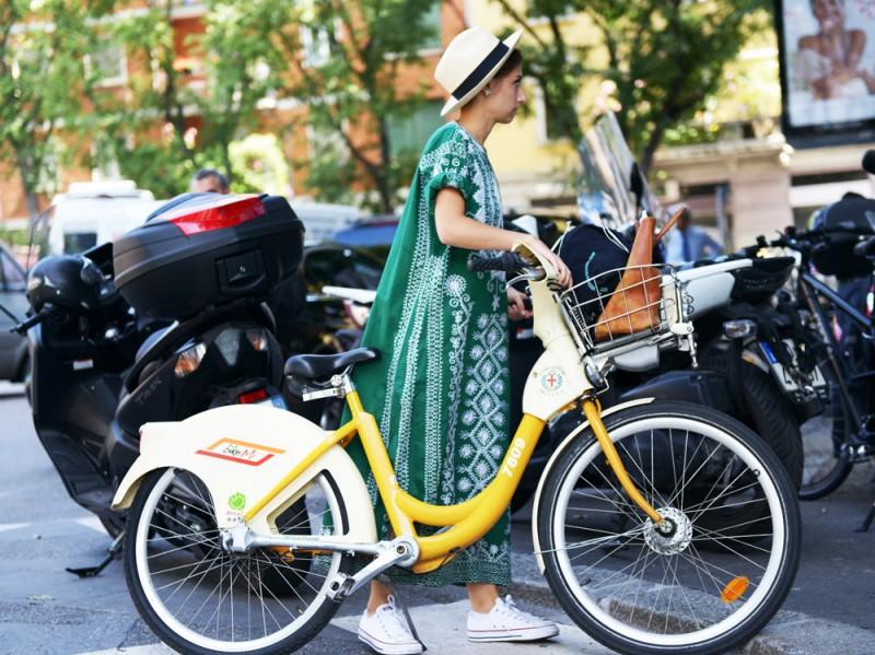 milano-uomo-4-16-jenny-walton-bici
