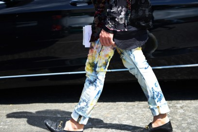 parigi-uomo-4-2017-jeans-pitturati