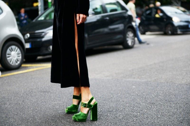 scarpe-velluto-prada