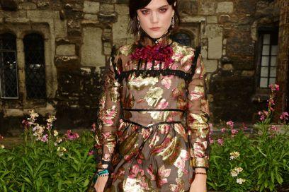 Lo stile di Soko, attrice e cantante tra le preferite di Gucci