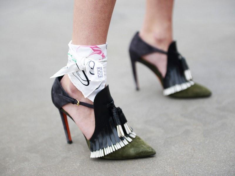 street-milano-moda-uomo-close-up-scarpe