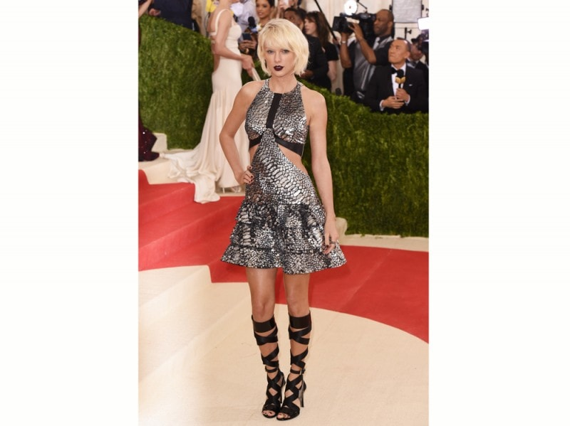 taylor-swift-met-ball-louis-vuitton