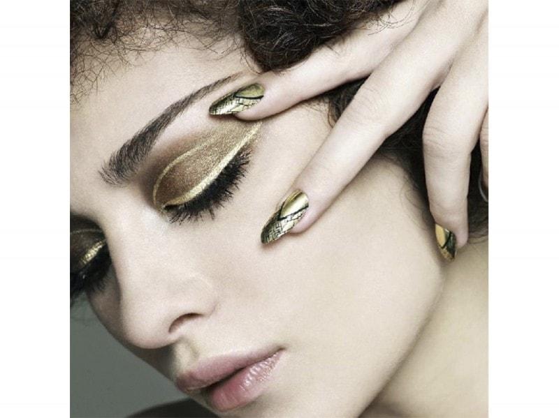 tombachik  nail art estate instagram