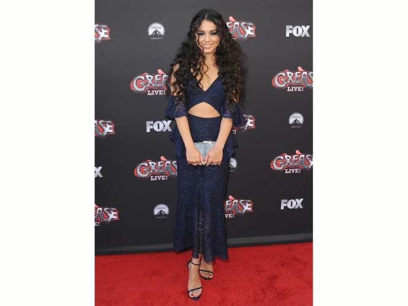 vanessa-hudgens-premiere-grease-olycom