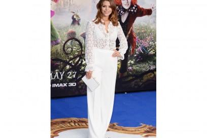 Chloe-Lewis-pantaloni-bianchi