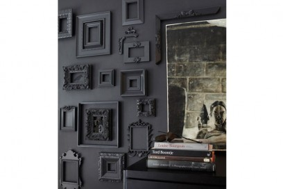 Cornici nere su sfondo nero
