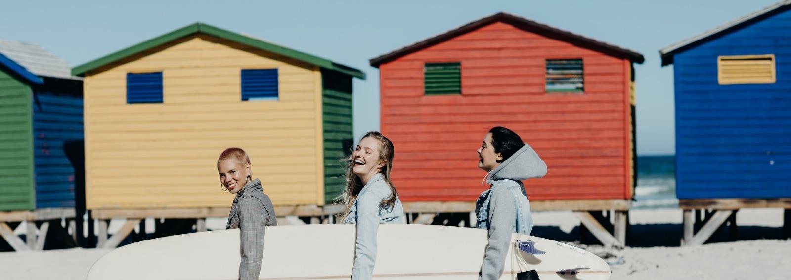 GettyImages-ragazze amiche estate