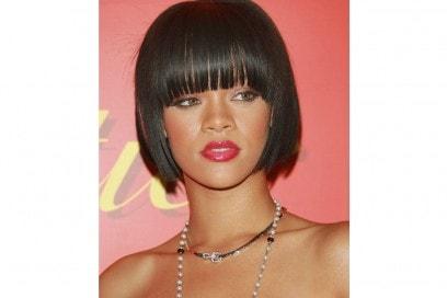 rihanna-capelli-evoluzione-hairstyle-2007-2