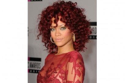 rihanna-capelli-evoluzione-hairstyle-2011