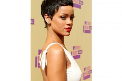 rihanna-capelli-evoluzione-hairstyle-2012-2