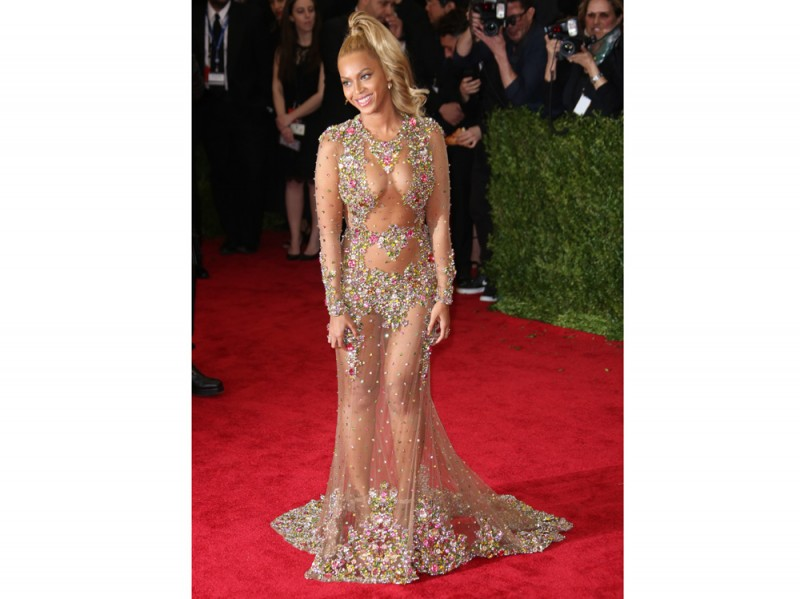 beyonce-abito-tulle-strass