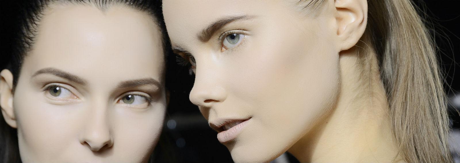 cover-obiettivo-pelle-perfetta-con-fondotinta-desktop