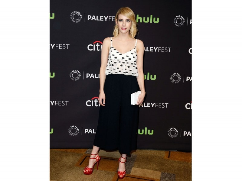 emma roberts crop top e culotte pants