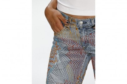 jeans-handpainted-Chanel-Iman's-_Jeans-for-Refugees_