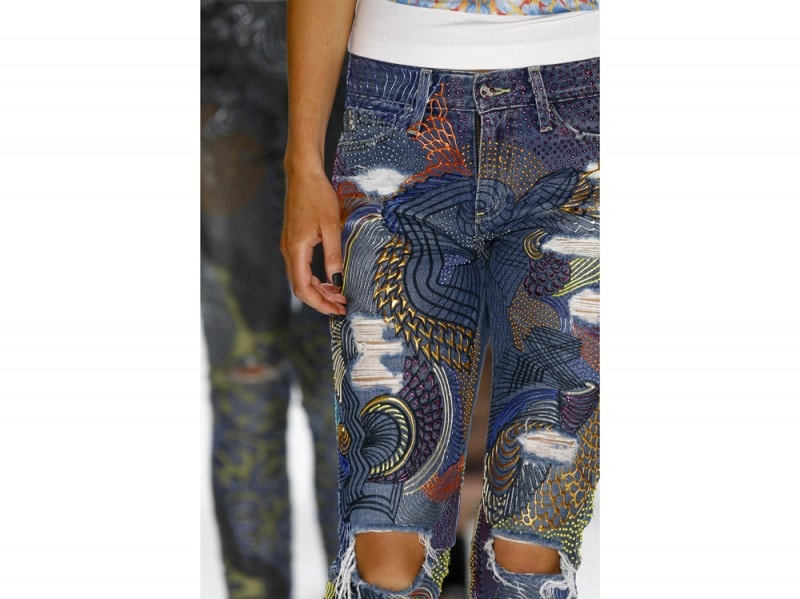 jeans-handpainted-Emma-Watson's-_Jeans-for-Refugees_