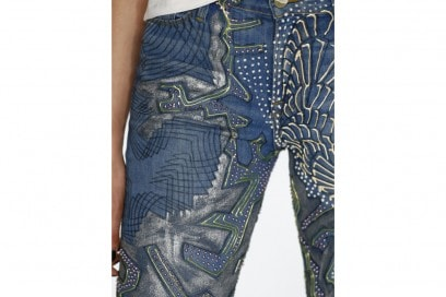 jeans-handpainted-Karlie-Kloss'-_Jeans-for-Refugees_