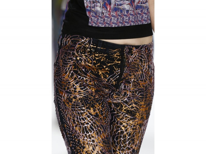 jeans-handpainted-Sofia-Coppola's-Jeans-for-Refugees