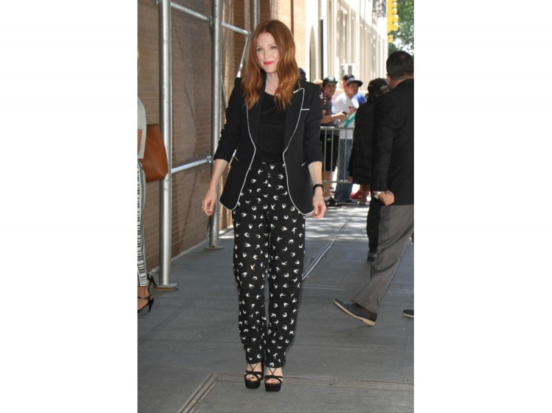 julianne-moore-new-york-olycom