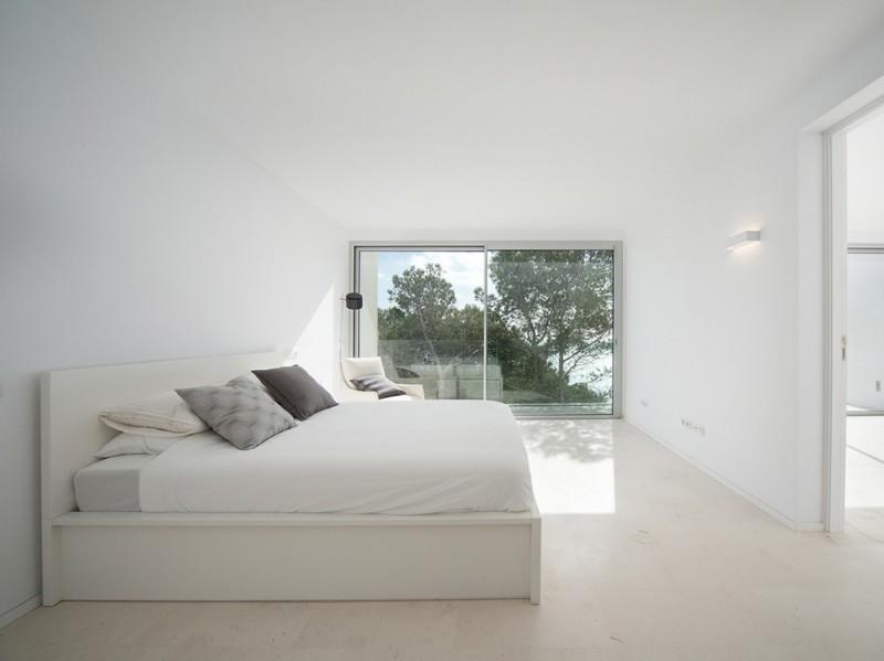 Maiorca una villa total white a strapiombo sul mare - Camere da letto mare ...