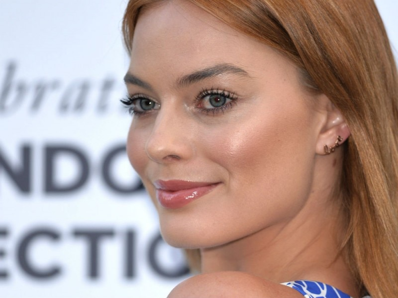 margot robbie beauty look