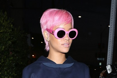 rihanna-capelli-rosa-parrucca