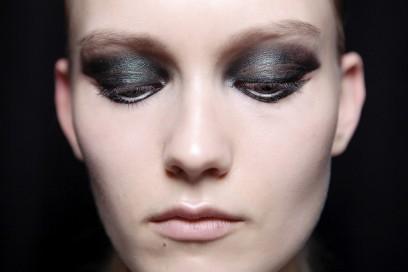 trucco-occhi-verde-sfumato-Cushnie-Et-Ochs
