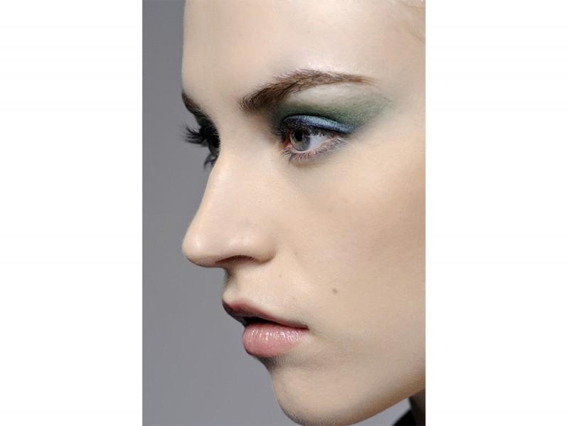 trucco-occhi-verde-sfumato-Jason-Wu-1
