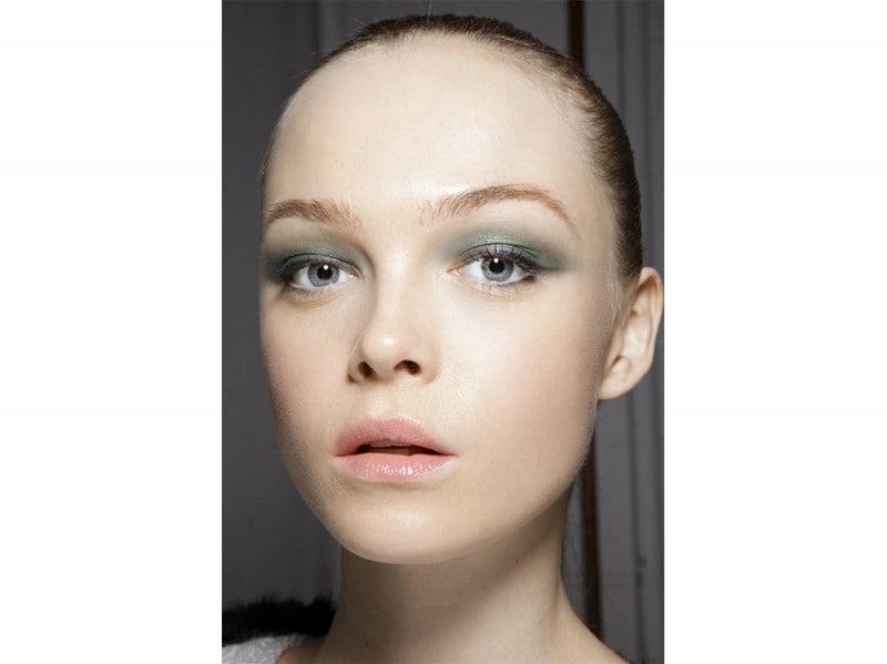 trucco-occhi-verde-sfumato-Jason-Wu-2