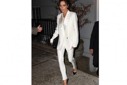 victoria-beckham-pantaloni-bianchi