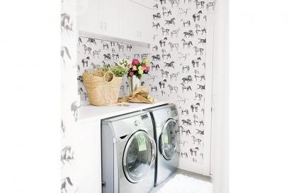 15.carta-da-parati-in-bagno-rivestimento-con-cavalli-a-parete-lavanderia