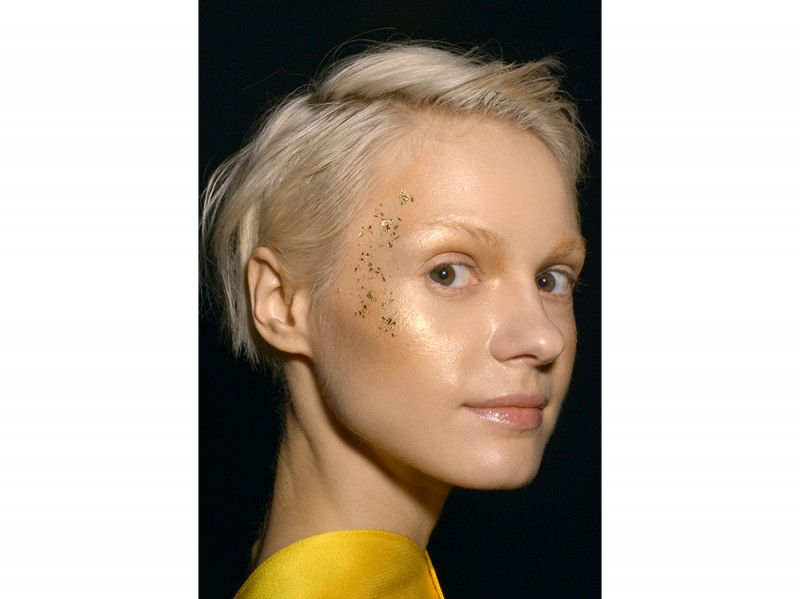 Hiromi-Asaitendenze-viso-make-up-autunno-inverno-2016-2017