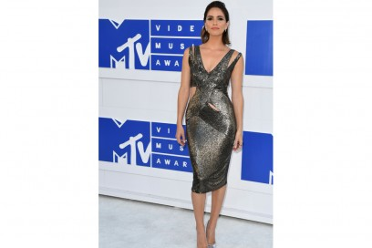 Shelley-Hennig-mtv-vma