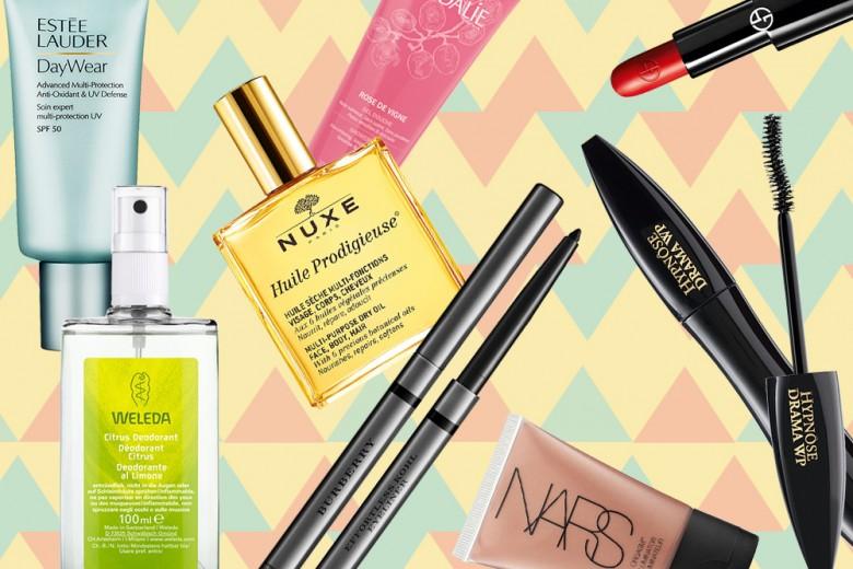 Beauty case mare: 15 prodotti must have per vacanze in spiaggia