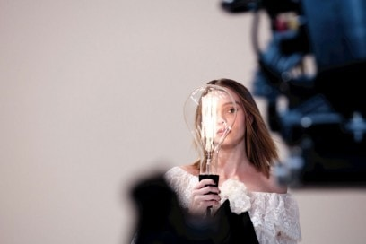 chanel-l-eau-n5-lily-rose-depp-backstage-04